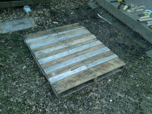 I used the hatchet to split scrap boards to fill the gaps that where too narrow